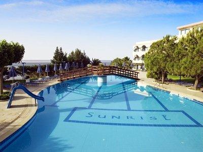 Sunrise Hotel 4
