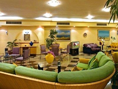 Sunrise Hotel 9