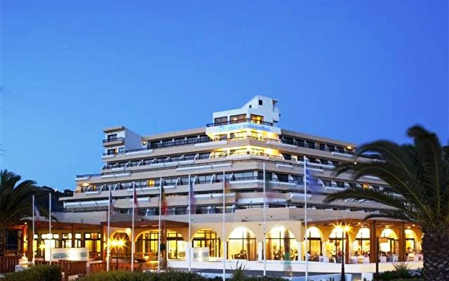 Mareblue Cosmopolitan Beach Resort 1