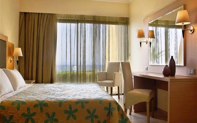 Mareblue Cosmopolitan Beach Resort 3