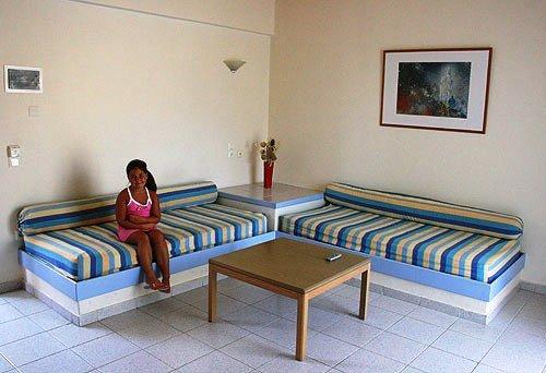 Irinna Hotel 10
