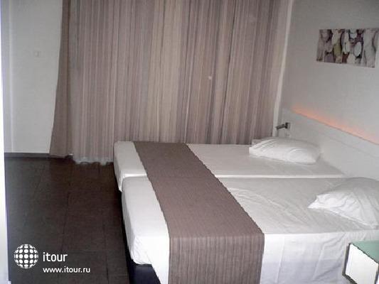 Majestic Hotel 9