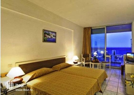 Aquarium Beach Hotel 8