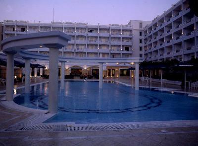 Grand Hotel De Luxe 4