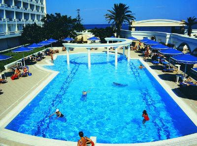 Grand Hotel De Luxe 3