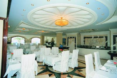 Grand Hotel De Luxe 7