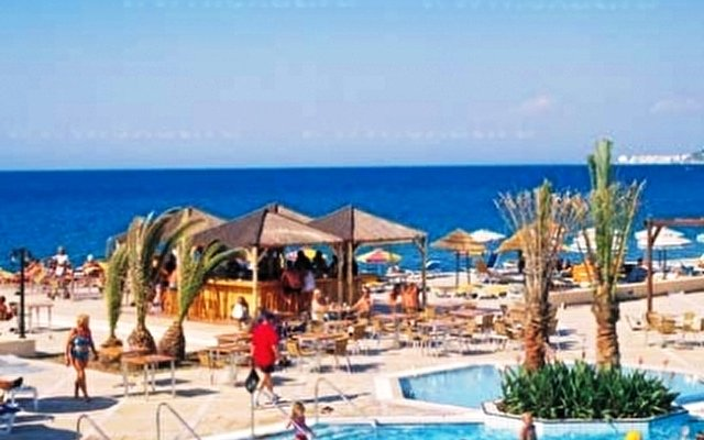 Avra Beach 10