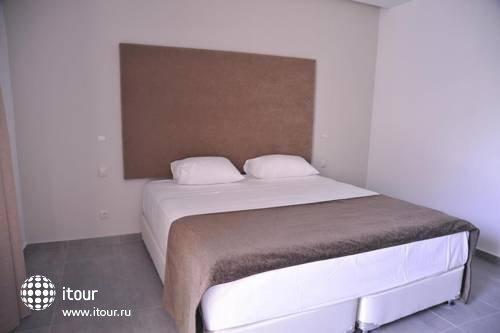 Oktober Hotel 3