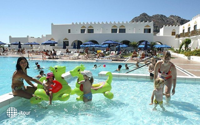 Alpha Beach Hotel 10