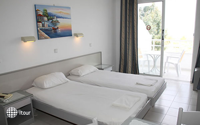 Lagonas Beach Hotel Apartments 3