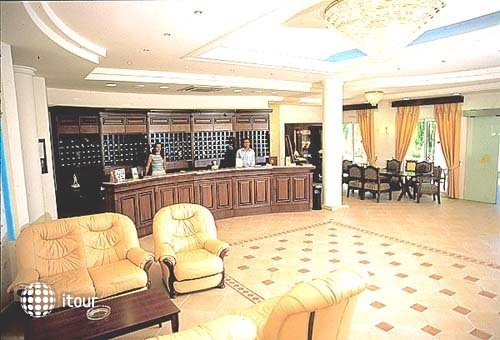 Manousos Hotel 2
