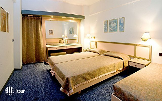 Rainbow Hotel 10