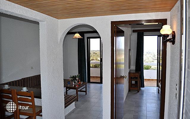 Karavos Hotel Apartments 7