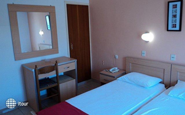 Zefyros Hotel 10