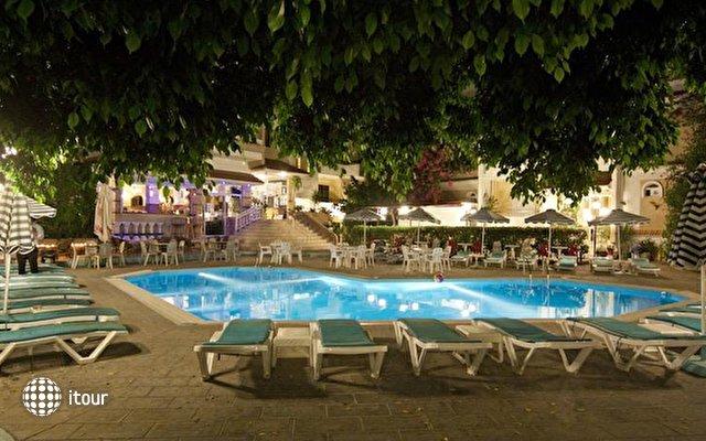 Kassandra Hotel 5