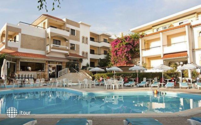 Kassandra Hotel 1