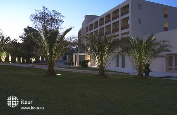 Plaza Resort 2