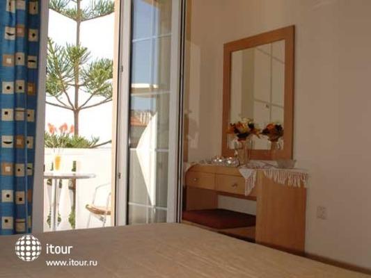 Skalidis Apartments 7