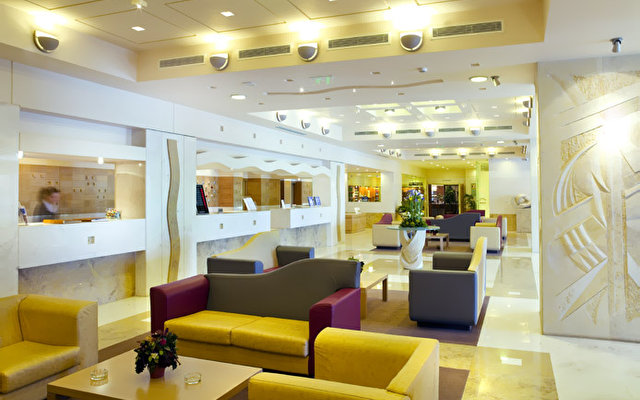 Holiday Inn Athens Airport Hotel 4