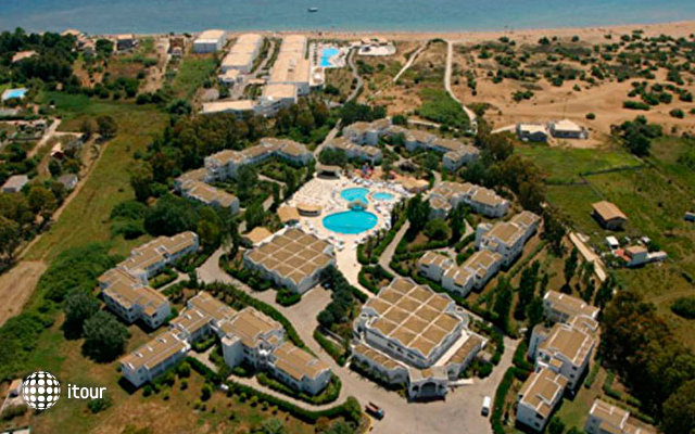 Aquis Sandy Beach Resort 2