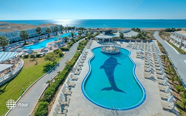 Aquis Sandy Beach Resort 6