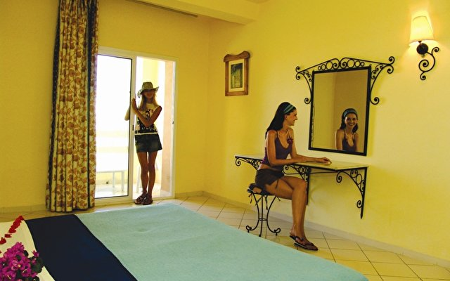Sun Beach Resort 2