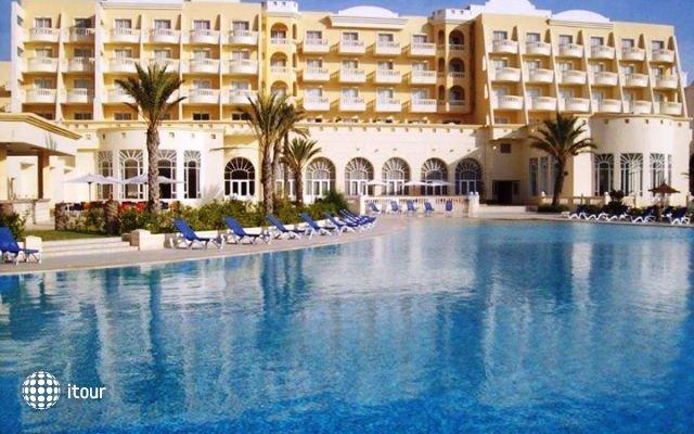 Hotel L'atrium 1