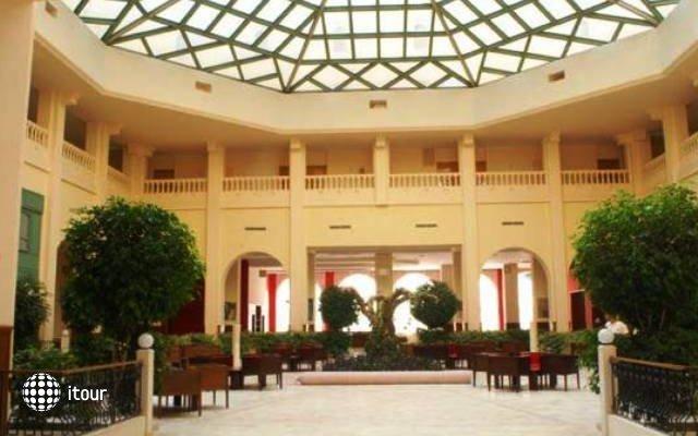 Hotel L'atrium 5