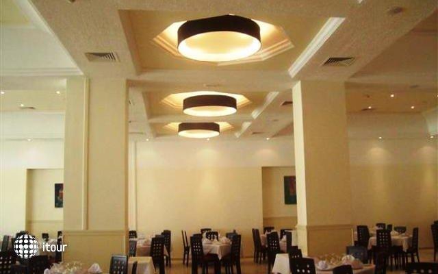 Hotel L'atrium 6