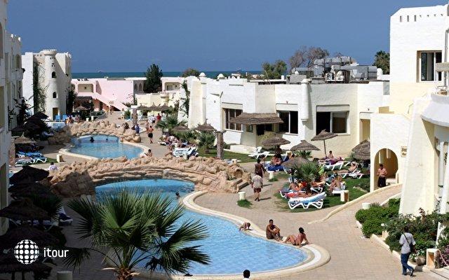 Sun Beach Resort 1