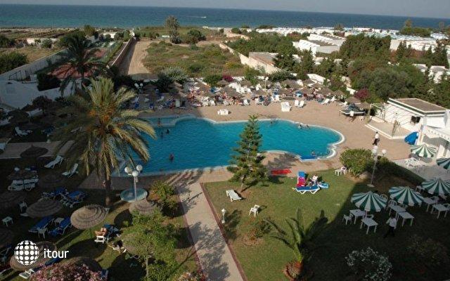 Jinene Beach 2