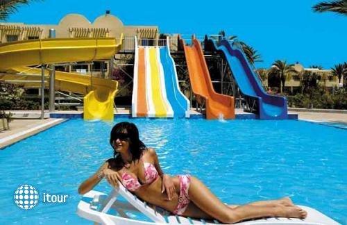 Sunny Days Club Nereides 3