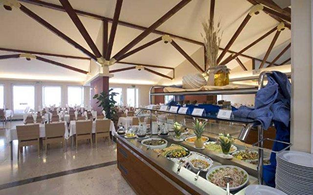 Valamar Bellevue Hotel & Residence 2