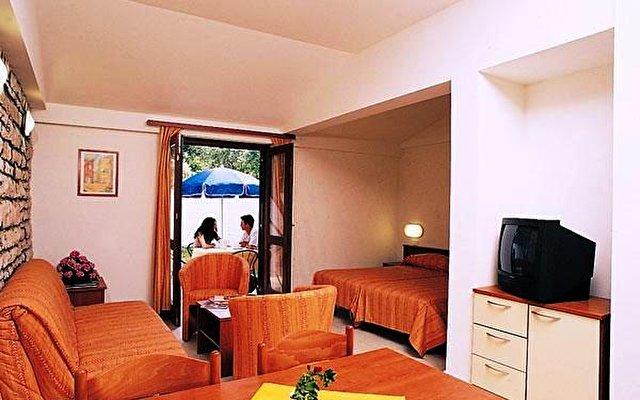 Naturist Park Apartments Koversada 5
