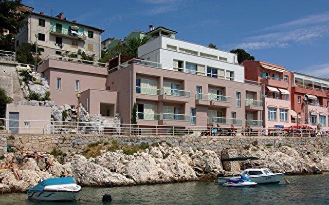 Apartments Adoral 2
