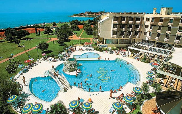 Aminess Maestral Hotel (ex. Maestral Hotel) 3