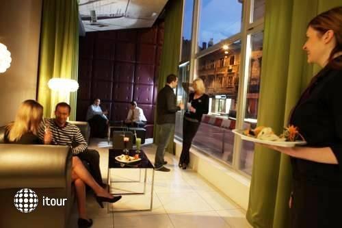 Hotel Neboder 7