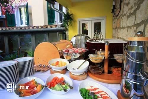 Hotel Villa Angelo D'oro 10