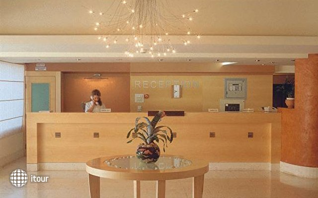 Miramar Hotel 5
