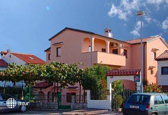 Apartments Neda 1