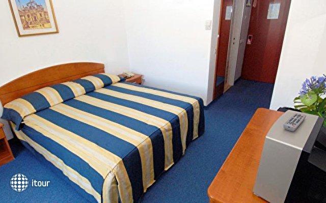 Vis Hotel 2