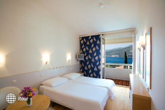 Valamar Club Hotel 5