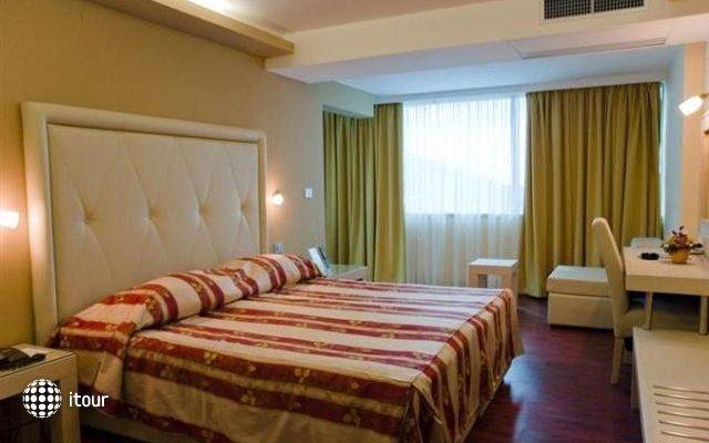 Grand Park Hotel & Villas 3