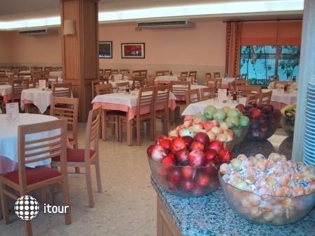 Hotel Port 9 (ex. Bon Repos) 2