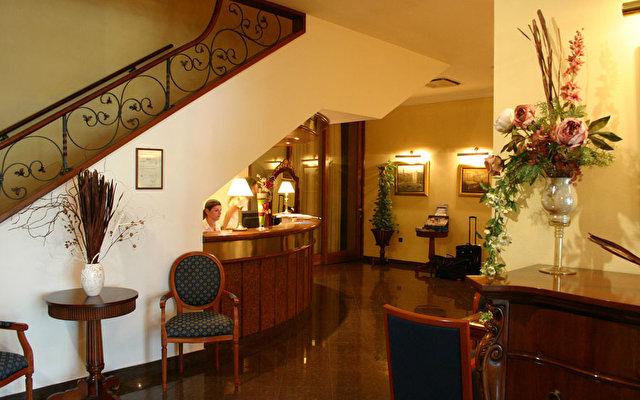 Globo Hotel 3