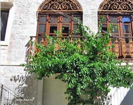 Palace Derossi 3