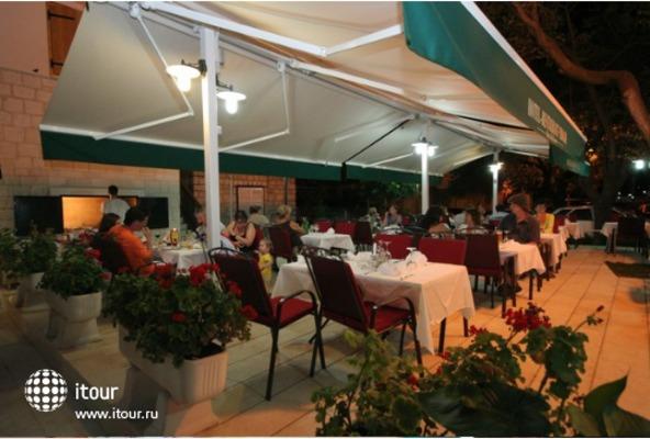 Hotel - Restaurant Trogir 1