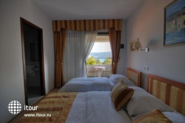 Hotel - Restaurant Trogirski Dvori 5