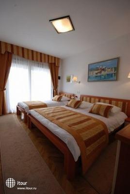 Hotel - Restaurant Trogirski Dvori 9