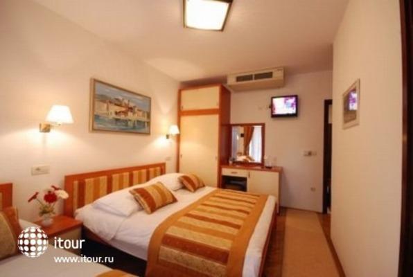 Hotel - Restaurant Trogirski Dvori 10